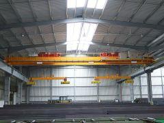 Mostové jeřáby GIGA - mostový jeřáb dvounosníkový 2x5t:25,5m s lanovou stabilizaci na magnetové traverze