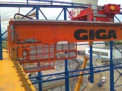 Mostové jeřáby GIGA o nosnosti 125t a 165t pro elektrárnu Počerady