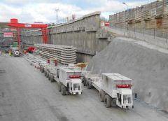 Dvounosníkový portálový jeřáb GDMJ 40t-11,5m během provozu