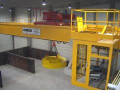 Jerab GDMJ 10t-28,55m s magnetem a pojizdnou kabinou_1875-04_KAJIMA_2