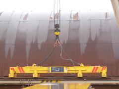 Portálový jeřáb v MCE Hyíregyháza - stav před modernizací - magnetová traverza