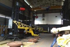 Robotické svařovací stanice vybavené kladkostroji GIGA